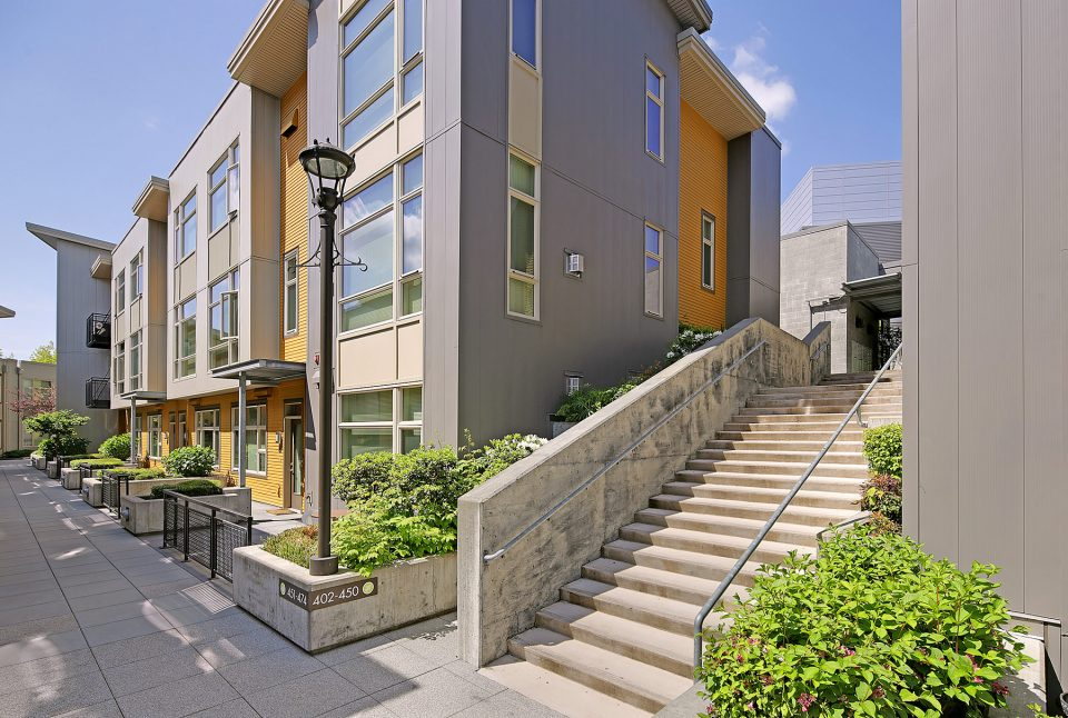 Thornton Place Apartments In Seattle, WA Exterior Building View