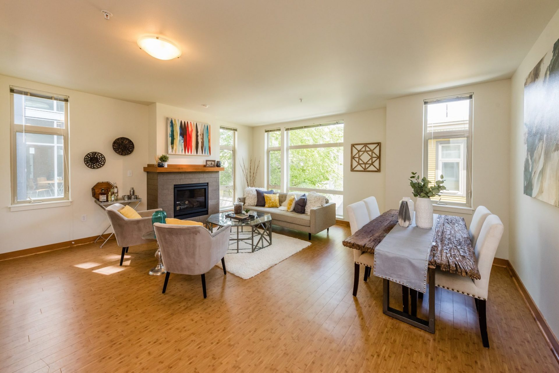 Spacious Apartment Homes At Thornton Place Apartments In Seattle, WA
