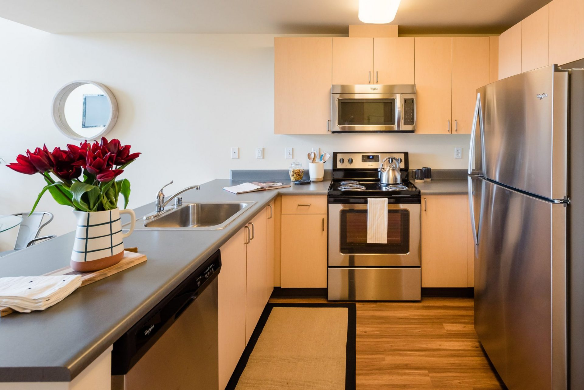 Modern Kitchens At Thornton Place Apartments In Seattle, WA