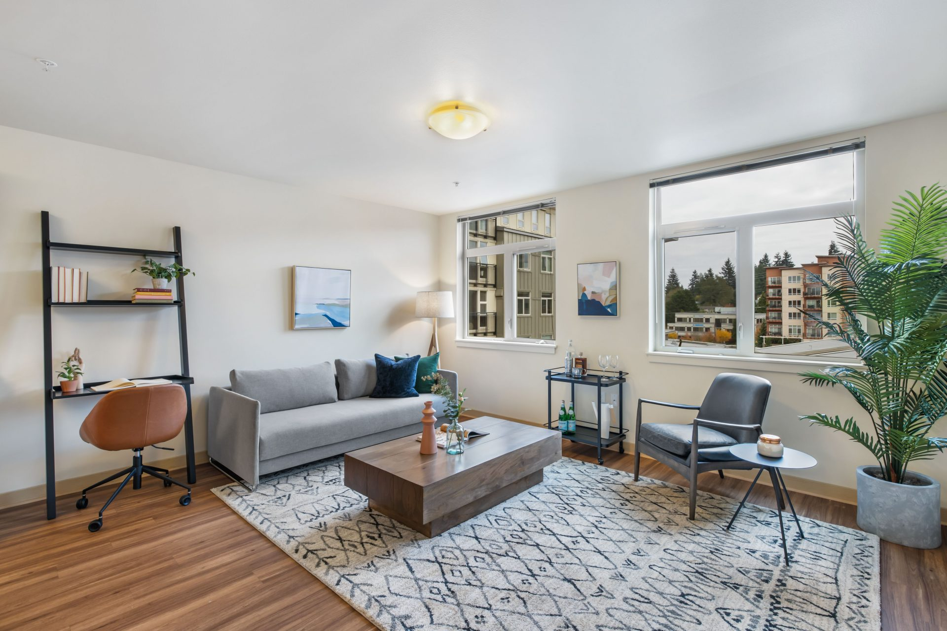 Open livng space with a view in Seattle   Thornton Place